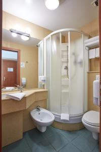 Een badkamer bij Liberty Hotel