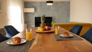 Breakfast options available to guests at Apartments Beautiful View