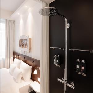 A bathroom at Ruby Leni Hotel Dusseldorf