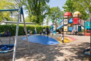 Children's play area at DL Comfort 4 personen