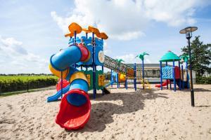 Children's play area at PDS Deluxe 6 personen