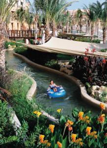 Der Swimmingpool an oder in der Nähe von Shangri-La Barr Al Jissah, Muscat