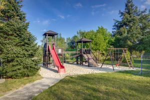 Ein Kinderspielbereich in der Unterkunft Ferien Hotel Spreewald