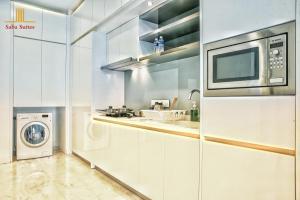A kitchen or kitchenette at Saba Suites at Platinum KLCC Bukit Bintang Kuala Lumpur