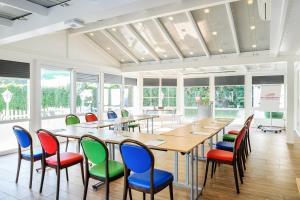 A restaurant or other place to eat at Hotel am Schlosspark Herten