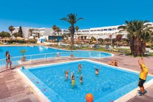 Het zwembad bij of vlak bij Splash World Venus Beach