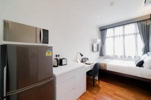 A kitchen or kitchenette at Heritage Collection on Boat Quay - South Bridge Wing