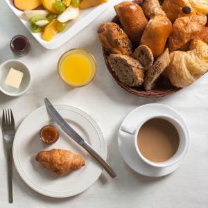 Opções de café da manhã disponíveis para hóspedes em Caspian Star