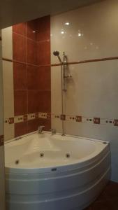 Um banheiro em metro SAHIL 2 Bedrooms