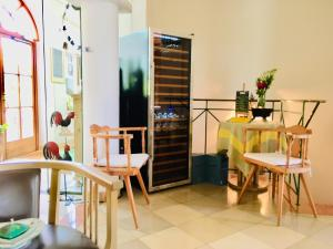 Ein Restaurant oder anderes Speiselokal in der Unterkunft Das junge Römerstein - Relax&ChillOut-Home