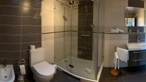A bathroom at zum weißen Ross