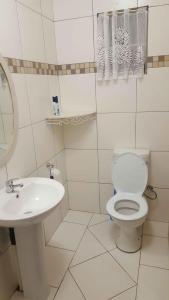 A bathroom at TANIA'S ACCOMODATION