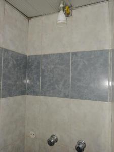 A bathroom at Hotel King