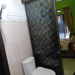 A bathroom at Green homestay