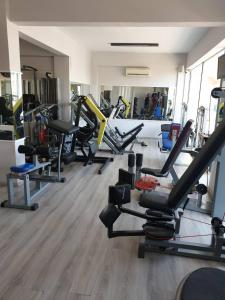 The fitness center and/or fitness facilities at Porto Plazza Hotel