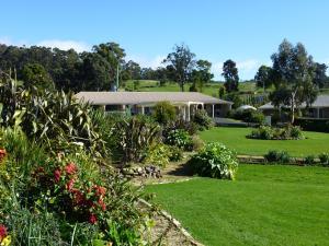 A garden outside Port Arthur Villas