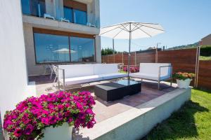 The swimming pool at or near Hotel Naturaleza Mar da Ardora Wellness & Spa