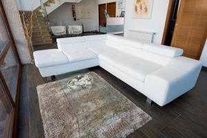 A seating area at Hotel Naturaleza Mar da Ardora Wellness & Spa
