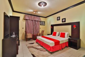 Cama ou camas em um quarto em قصر اليمامة للاجنحة الفندقية- الروابي