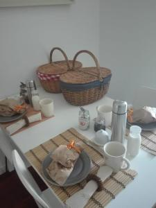 Breakfast options available to guests at Palm Guesthouse B&B Rooms