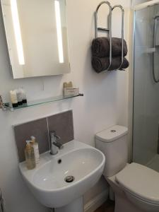 A bathroom at The Waters Edge
