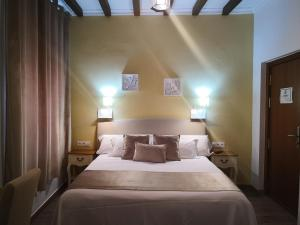 A bed or beds in a room at Zaida