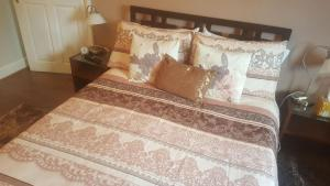 A bed or beds in a room at Comfy Room Well Located