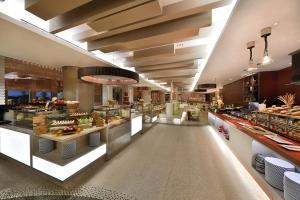 مطعم أو مكان آخر لتناول الطعام في هيلتون الرياض