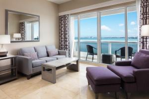 A seating area at DoubleTree by Hilton Grand Hotel Biscayne Bay