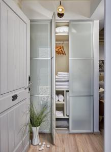 A bathroom at Galaxy Hotel