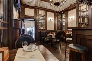 A restaurant or other place to eat at Grada Boutique Hotel