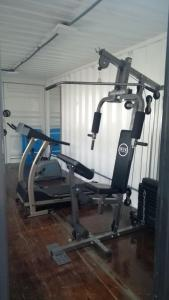 The fitness centre and/or fitness facilities at Hotel Ville House Premium