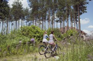 Rowery dostępne w obiekcie Rado Resort Spa & Wellness lub w pobliżu