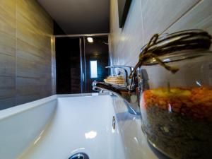 A bathroom at Albergue Casa Manola