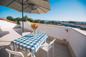 A balcony or terrace at Hotel Como