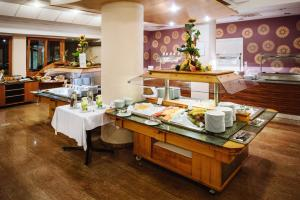 A restaurant or other place to eat at Terme Zrece - Hotel Vital