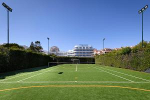 Tennis and/or squash facilities at Hotel Pestana Cascais Ocean & Conference Aparthotel or nearby
