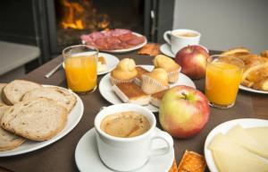 Opciones de desayuno para los huéspedes de Hotel portico
