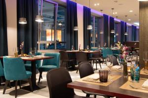A restaurant or other place to eat at NYX Hotel Milan by Leonardo Hotels