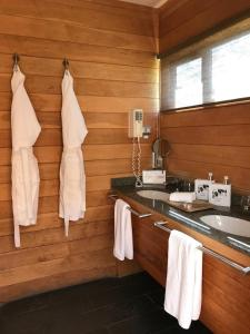A kitchen or kitchenette at Patagonia Camp