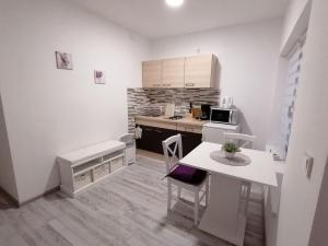 Cucina o angolo cottura di Apartman Lidija
