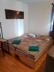 Ein Bett oder Betten in einem Zimmer der Unterkunft Haus Mitterfeld