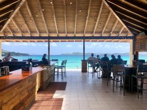 A restaurant or other place to eat at Sapphire Beach Resort and Marina