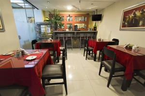 A restaurant or other place to eat at Casa Fanning Hotel