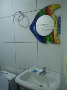 Um banheiro em Casa da Katilcia