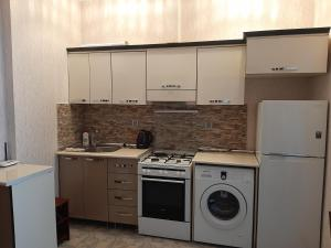 A cozinha ou cozinha compacta de emerald palace