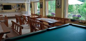 Stół bilardowy w obiekcie Willa Jasna