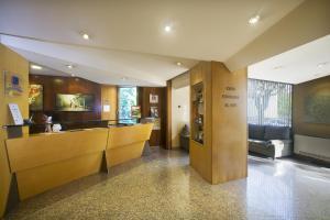 The lobby or reception area at Hotel La Perla D'Olot