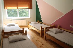 Gulta vai gultas numurā naktsmītnē Liepu Hostelis