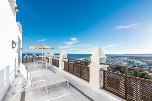 Een balkon of terras bij Hotel THe Volcán Lanzarote